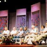 ותיקי תעשיית האשלג בים המלח. מימין לשמאל: אלי רז, יוסי פלדמן, יורם צ'רלי צורי, איזי רבינוביץ', פיני אמיתי, שלמה אראל, אורי בן נון, יוסי לנגוצקי והמנחה יוסי אלפי